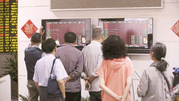 Kriz Çin'deki Emekliyi Vurdu
