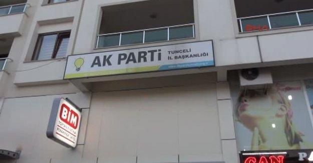 Tunceli'de Ak Parti Binası Önünde Provakatif Eylem