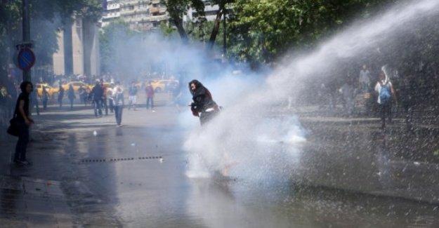Gaziantep'te İzinsiz Gösteri Yapanlara Polisten Müdahale Geldi!