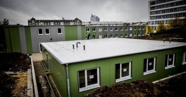Almanya'ya Sığınan Mülteciler Apartmanda Yaşıyor