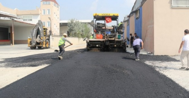 Akdeniz Belediyesi Tüm Mahallelerini Asfaltlama Çalışması Yürütüyor