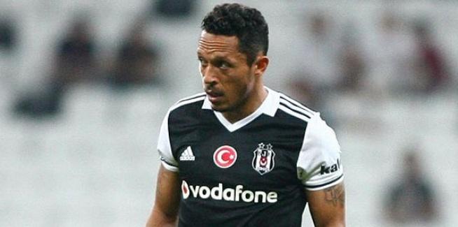 Beşiktaş'ta Adriano'nun Sağlık Durumu Konusunda Açıklama