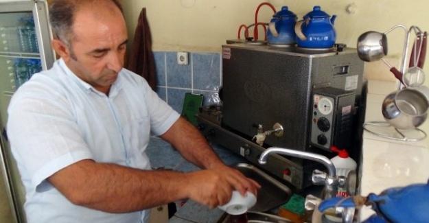 Eleman Bulamayan Çay Ocağı İşletmecisi Kepenk Çekiyor