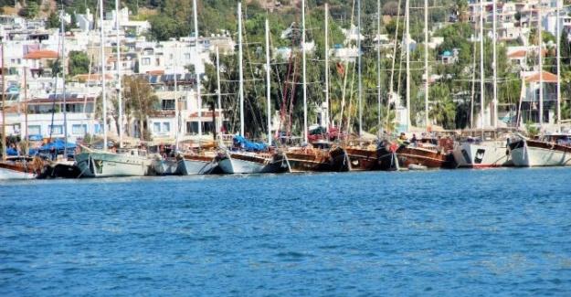 Türk Bayraklı Gemilerin Çıkışına İzin Verilmedi