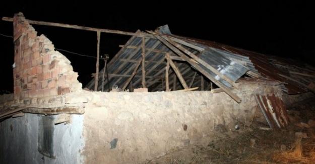 Yozgat'ta Hortum Korku Dolu Anlar Yaşattı