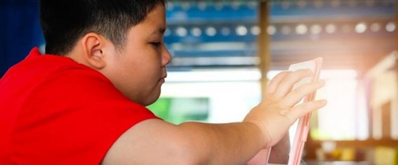 Çocuklarda Teknoloji Bağımlılığı Obeziteye Davetiye Çıkarıyor