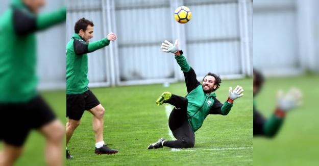 Vartolu Sadettin Bursaspor Antrenmanında Hünerini Sergiledi