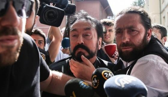 Suç Örgütü Lideri Adnan Oktar Kaçarken Yakalandı!