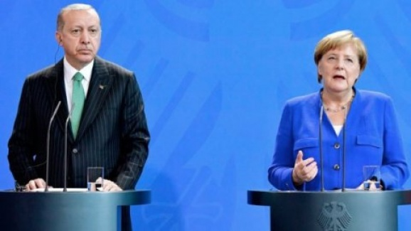 Merkel FETÖ'yle İlgili Konuştu: Daha Çok Bilgiye İhtiyacımız Var!