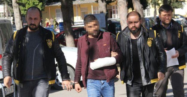 Adana'da Eşine Mesaj Atan Komşusunu Öldürdü