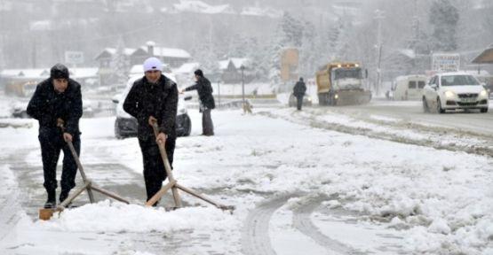Aksarayda Okullar Tatil Olacak Mı? Aksaray'da kar tatili verildi 8 Ocak Tatil mi