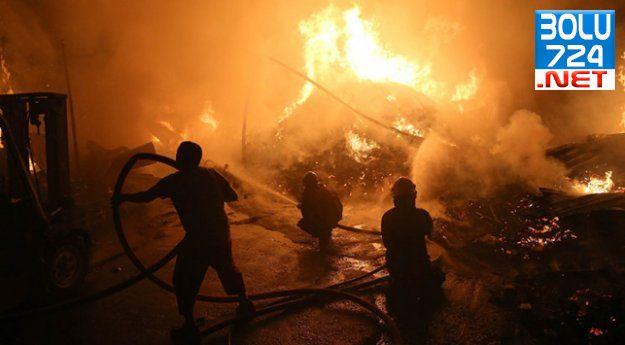 Avcılar'da DEV Yangın! İstanbul Yanıyor! Çevre Depolarada Sıçradı