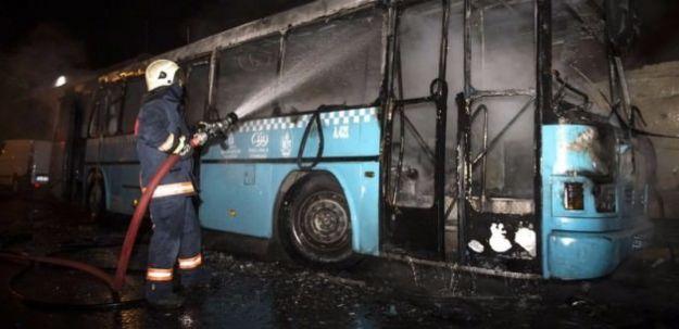 Bağcılar'da Park Halindeki Otobüse Molotof Atıldı