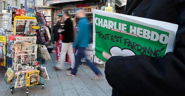 Charlie Hebdo Zırvalamaya Devam Ediyor! Yeni Kapak Fotoğrafı Münakaşaya Mahal Verdi!