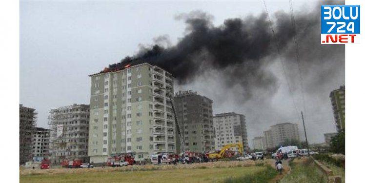 Gaziantep'te Çatı İzalasyonu Sırasında Önce Yangın Sonra Kavga Çıktı!