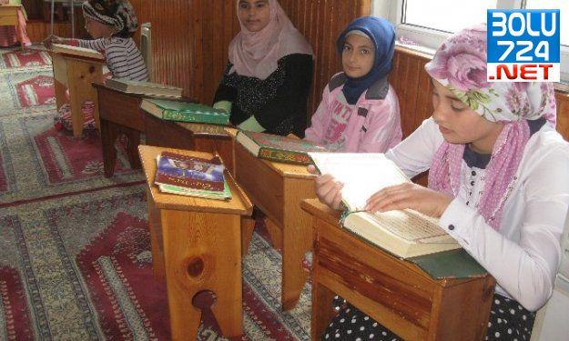 Haydi Çocuklar Kur'an Ayında Kur'an'la Buluşalım Sloganı Camileri Doldurdu
