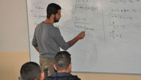 Hem Doktor Hemde Öğretmen! Şırnak'ta İnsanlık Dersi!
