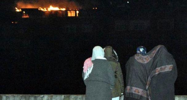 Karabük'te Yangın! Apartmanın Çatı Katı Yandı Yaşlı Adam Hayatını Kaybetti