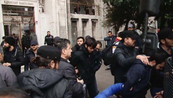 Öğrenciler Olay Çıkardı Polis Üniversiteyi Bastı! Çok Sayıda Göz Altı Var