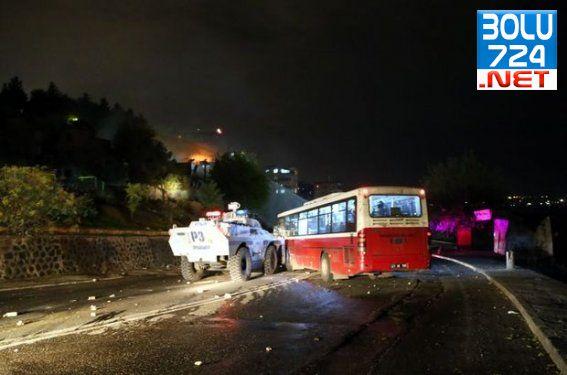 Silopi'de IŞİD'i Bahane Eden Göstericiler Yine Yaktı Yıktı Polise Saldırdı!