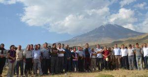 Ağrı Dağı'nda Askere Karşı Ayaklanma! 250 Kişi Çadır Kurarak Engellemeye Çalışıyor
