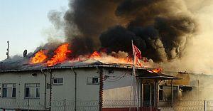 Kumkapı Balık Hali'nde Yangın! Çok Sayıda İtfaiye Olay Yerinde