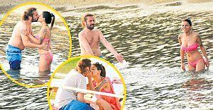 Halil Sezai Sevgilisi ile Denizin Ortasında Sıcak Saatler Yaşadı