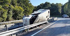 Piknikçileri TYaşıyan Midibüs Takla Attı 1 Ölü Çok Sayıda Yaralı Var!