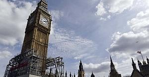 Londra'nın Simgesi Olan Big Ben Saat Kulesi Bakıma Alınıyor
