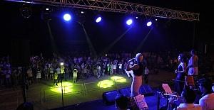 Mersin'de Halk Konseri Verilerek Unutulmaz Bir Gece Yaşandı