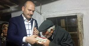 Bakan Soylu Şehit Ailesine Taziye Ziyareti Yaptı
