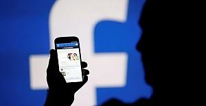 Facebook SMS'lerden Telefon Kayıtlarına Kadar Kaydediyor!