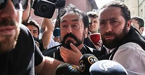 Suç Örgütü Lideri Adnan Oktar Kaçarken...