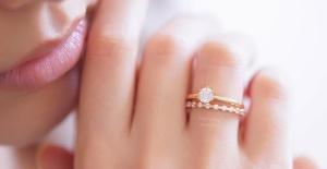 Evlilik Yıl Dönümünde Tektaş Pırlanta Yüzük Seçimleri