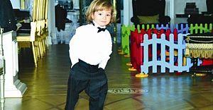 Ali Ağaoğlu'nun oğlu Ali Ege'nin 23 Nİsan Fotoğrafı