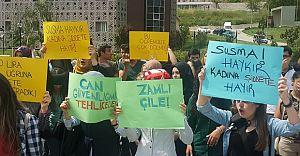 Artvin Çoruh Üniversitesinde ki Kız Öğrencilerden Dolmuşlara Eylem!