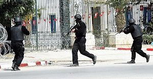 Bardo Kışlasında Silahla Açılan Ateş Sonucu 5 Kişi Öldürüldü!