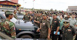 Çin'den Kamboçya'ya Silah Yardımı!