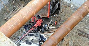İstanbul'da Feci Kaza. Vinç Operatörün Üzerine Düştü