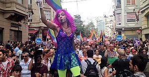 Kocaeli'de Eşcinsel ve Transeksüeller (LGBTİ) Eylem Yaptı!