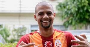 Galatasaray'ın yıldız futbolcusu dünya deviyle anlaşmak üzere
