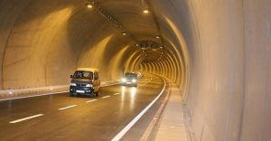 Başbakan'ın Açılışını Yaptığı Konak Tünelinin Sorunları Bitmiyor