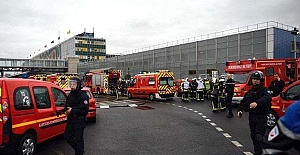 Paris Havalimanındaki Bomba Alarmı Vatandaşları Tedirgin Etti