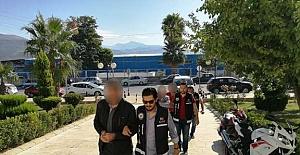 Yunanistan'a Kaçmak İsteyen Göçmenlere Polis Baskını