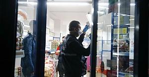Kar Maskeli Hırsız 15 Dakika Sonra Polis Ekiplerine Yakalandı
