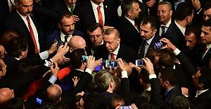 Erdoğan'dan Abdullah Gül Yorumu: Benim Sorunum Değil!