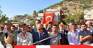 """Şehit Damadını Uğurlayan Baba PKK'ya İsyan Etti! """"Siz Kürt Değilsiniz"""""""