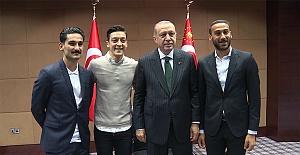 Erdoğan'dan Mesut Özil Açıklaması: Yapılanları Hazmedemedim!
