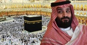 Prens Selman Kabe'nin Üstüne Çıkarak İnşaatları Denetledi