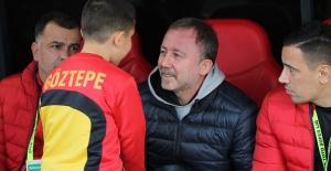 Sergen Yalçın Beşiktaş iddialarına açıklık getirdi